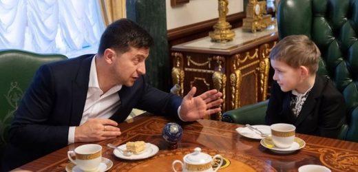 Зеленський зустрівся з сиротами загиблих українських воїнів і запропонував їм по спецзв'язку поставити міністрам будь-які запитання