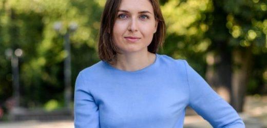 Саме міністр освіти Ганна Новосад заблокувала підвищення зарплат для вчителів – Рева