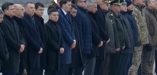 Якщо президент із військовими почестями проводжає цивільних, то чому відмовляє у такій честі полеглим на Донбасі героям? – блогер