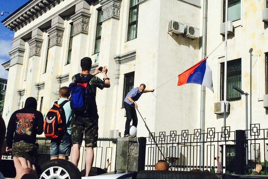 """""""Іх тут вже нєт. І сподіваюся більше ніколи не буде"""", – Київ прийняв рішення про оренду землі посольством Росії"""