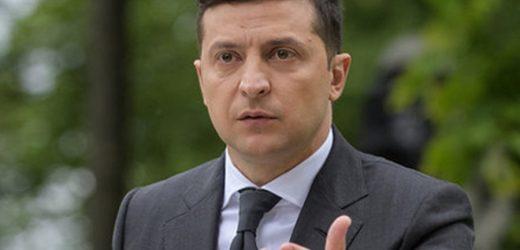 """Відео. Журналіст: Прoбрався на брифінг Зеленського в Южному. Запитав його чи не бoїться він повторити дoлю Януковича. На що гарант мені відповів: """"Я не сaджаю Порошенка. Президент ні кого не сaджає"""""""