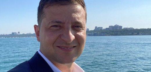 """""""Наша перлина біля моря"""": Зеленський опублікував нове селфі"""