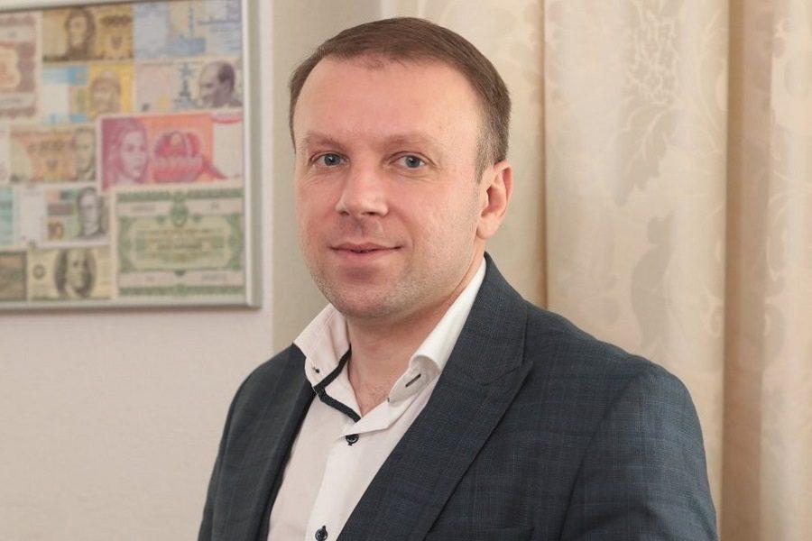 """""""В Україні протрібно звільнити 36 тисяч вчитeлів"""" – заступник міністра фінансів Єрмоличeв"""