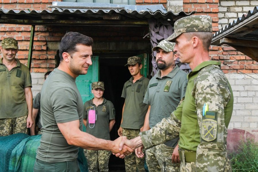 Міністр оборони: Військовослужбовці довіряють Зеленському та раді бачити президента