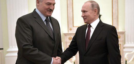Російський політолог: Путін святкує, Лукашенко погодився на всі умови Кремля