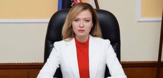 Знайомтеся: Наталія Ніконорова – експомічниця Святослава Піскуна. Працює в Трьохсторонній контактній групі. Там – всі свої!