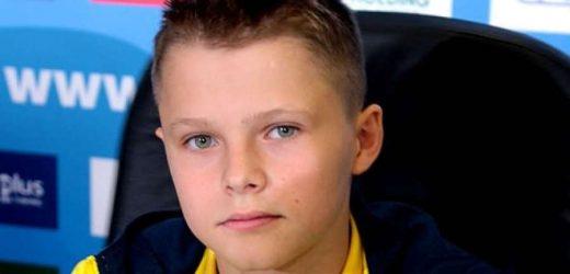 У 13 років він став чемпіоном Європи у стрибках у воду з 10-метрової вишки. І не просто золотим призером, а наймолодшим чемпіоном у дорослих змаганнях